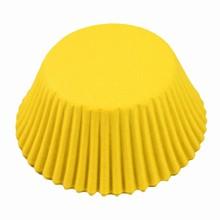 (s85my5)caissettes jaunes petits gâteaux