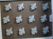 I248 Fleur-de-lis bitesize mold