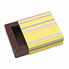 E1rayéb Glossy Stripes Sleevebox for 1 Chocolate Java base