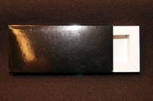 E318w Glossy Black sleevebox for 3 chocolates