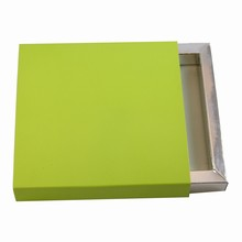 E9374s Lime sleevebox for 9 choc or 3 bars