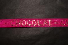 r522 Ruban Fuschia 'Chocolat' doré