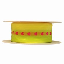 r529 Ruban jaune fluorescent coeurs rose 40mm