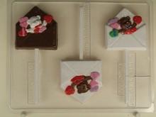 V216 Envelope and Valentine bear lolly