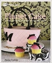 L285 Planet Cake by Paris Cutler