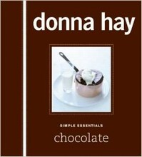 L425 Simple Essentials: Chocolate by Donna Hay