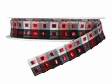 r487 Ruban rouge, blanc et noir carreauté