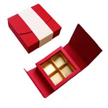ANT100 Boîte écrin rouge et crème 4ct