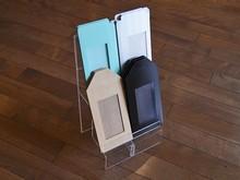 Présentoir acrylique à tablettes